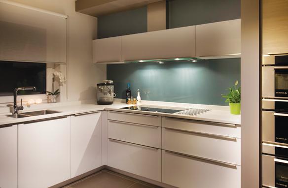 Keukenkast Zonder Greep : Semi greeploze keuken koning in eigen keuken